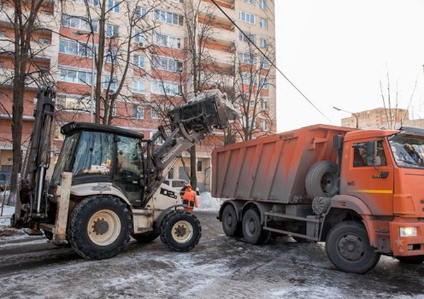 Дороги в 5 микрорайонах Балашихи очистили от снега